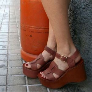 Chie Mahara Guion Chunky Wedge Sandal